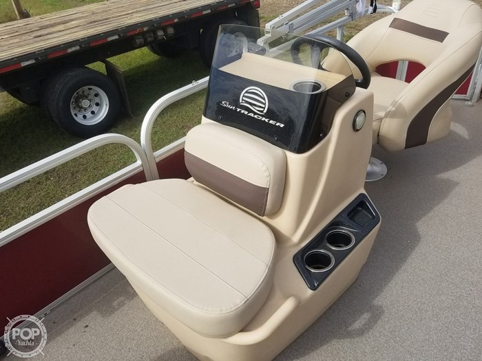2018 Sun Tracker Bass Buggy 18 DLX Photo 14 of 20