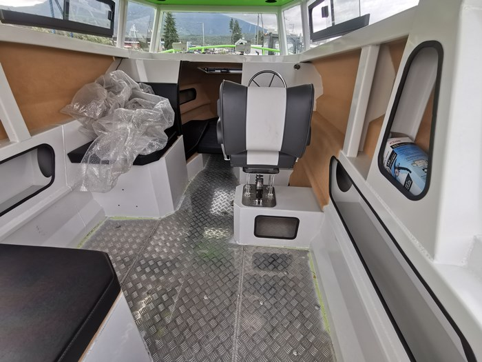2019 Hypermode Hypermarine 750 forerake cabin Photo 8 of 9