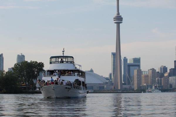 1988 Commercial Toronto Charter Vessel Photo 1 sur 19
