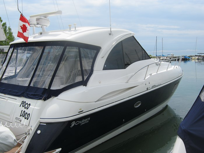 2009 Cruisers Yachts 420 sport coupe Photo 3 sur 27