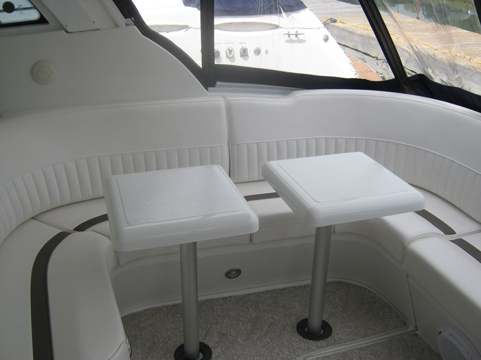 2009 Cruisers Yachts 420 sport coupe Photo 7 sur 27