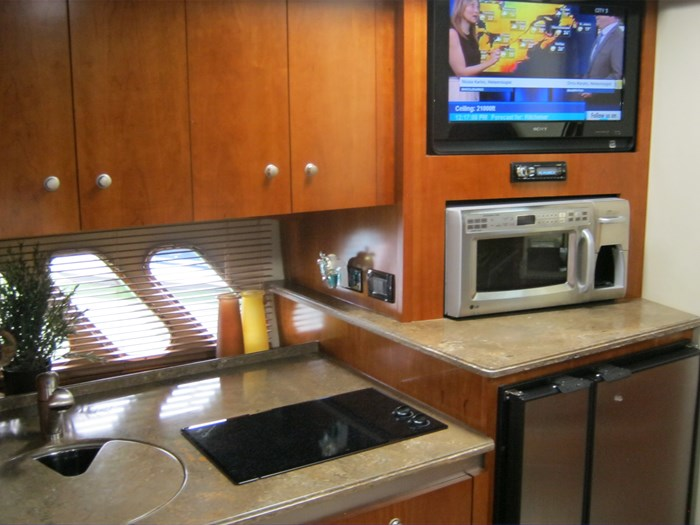 2009 Cruisers Yachts 420 sport coupe Photo 14 sur 27