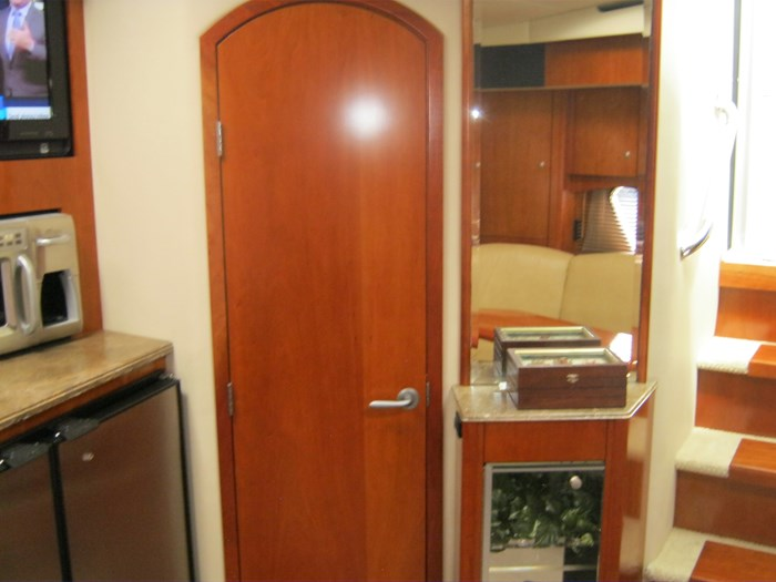 2009 Cruisers Yachts 420 sport coupe Photo 15 sur 27