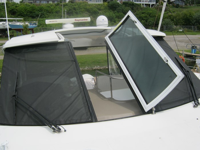 2009 Cruisers Yachts 420 sport coupe Photo 26 sur 27