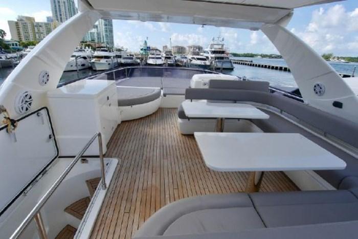 2013 Ferretti Yachts 720 Flybridge Photo 30 of 44
