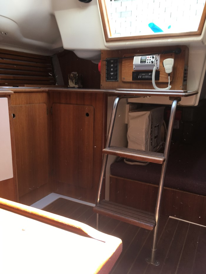 1986 Hunter 26.5 Photo 4 of 22