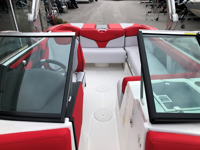 2020 MasterCraft Mastercraft XT20 Photo 9 sur 11