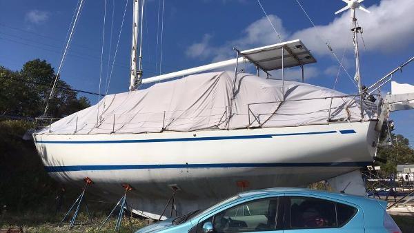 CAL 2-46 Centre Cockpit 1974 Used Boat for Sale in North Sydney, Nova  Scotia - BoatDealers ca