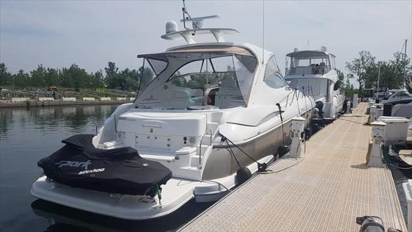 2008 Cruisers Yachts 560 Express Photo 3 sur 45
