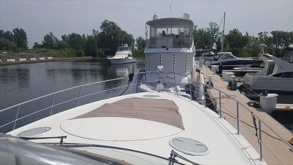 2008 Cruisers Yachts 560 Express Photo 10 sur 45