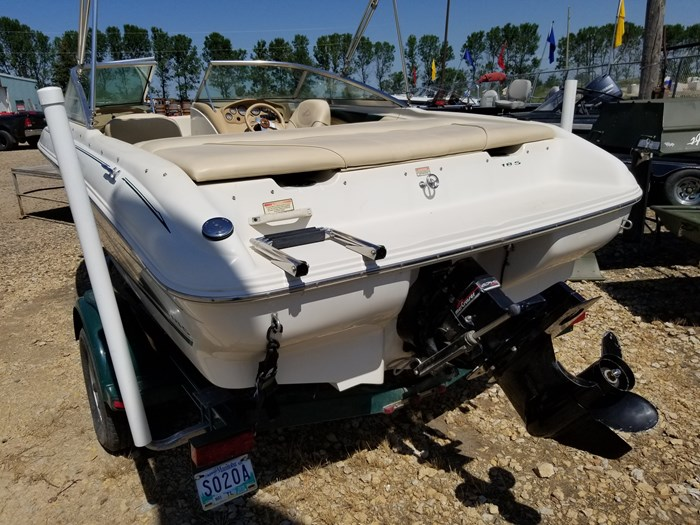2000 Sea Ray 185 BR Photo 3 of 9