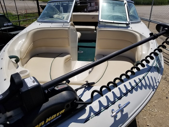 2000 Sea Ray 185 BR Photo 8 of 9