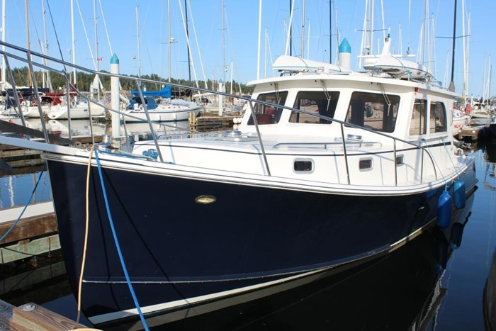 2010 Duffy Atlantic 37 Downeast Cruiser Photo 2 of 62