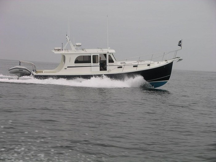 2010 Duffy Atlantic 37 Downeast Cruiser Photo 5 of 62