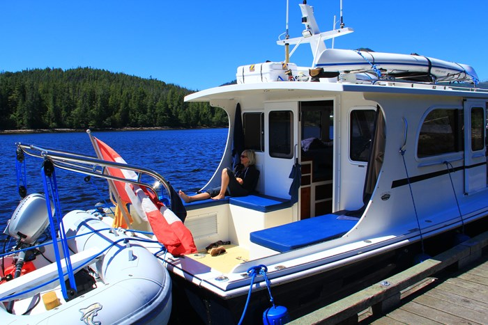 2010 Duffy Atlantic 37 Downeast Cruiser Photo 7 of 62