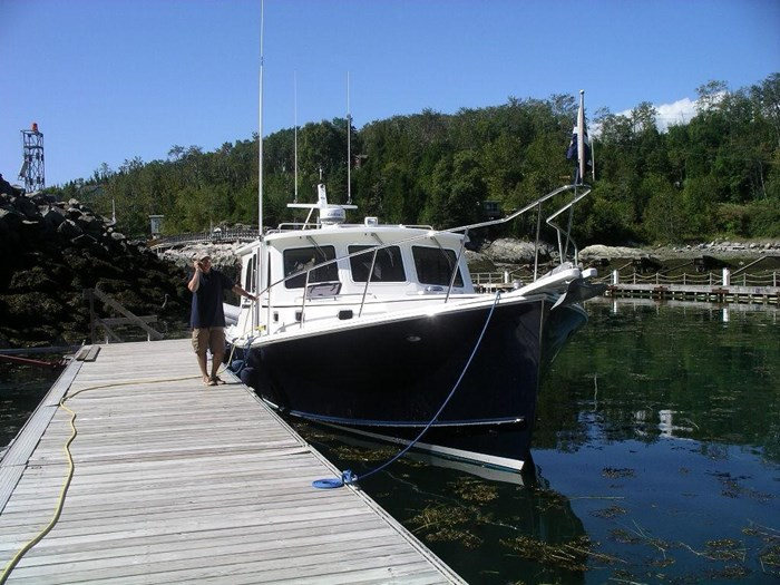 2010 Duffy Atlantic 37 Downeast Cruiser Photo 8 of 62