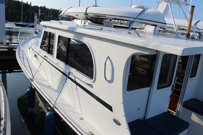 2010 Duffy Atlantic 37 Downeast Cruiser Photo 10 of 62