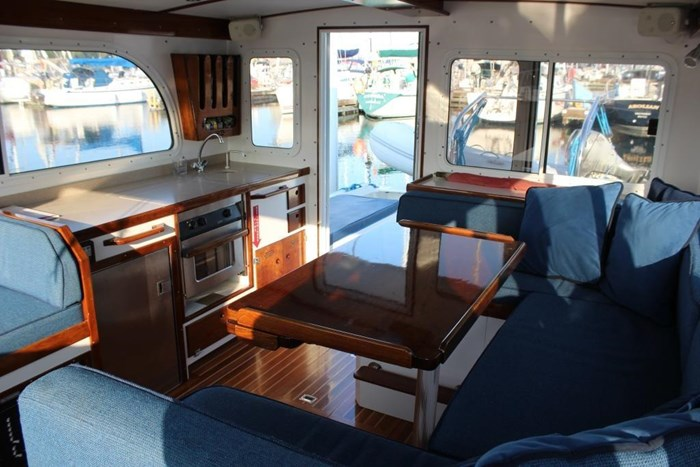 2010 Duffy Atlantic 37 Downeast Cruiser Photo 26 of 62