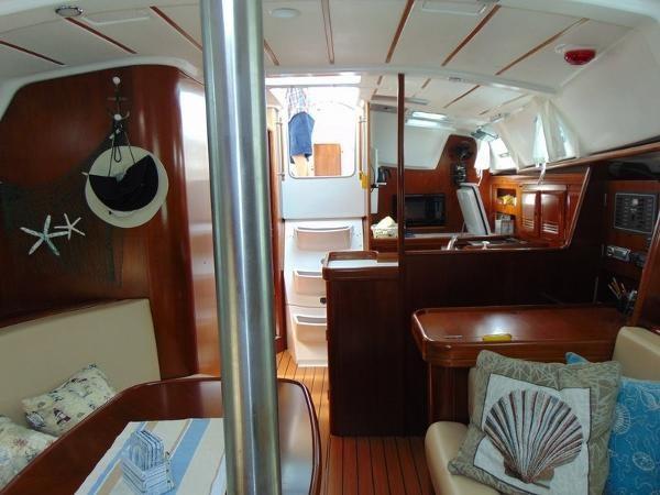 2003 Beneteau Oceanis 361 Photo 17 of 29