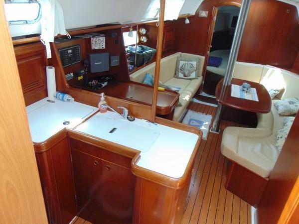 2003 Beneteau Oceanis 361 Photo 19 of 29