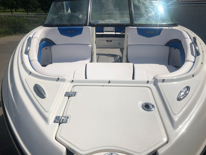 2019 Chaparral 223 VRX Photo 3 of 4