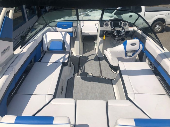 2019 Chaparral 223 VRX Photo 4 of 4