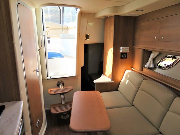 2014 Rinker 310 Express cruiser Photo 13 of 20