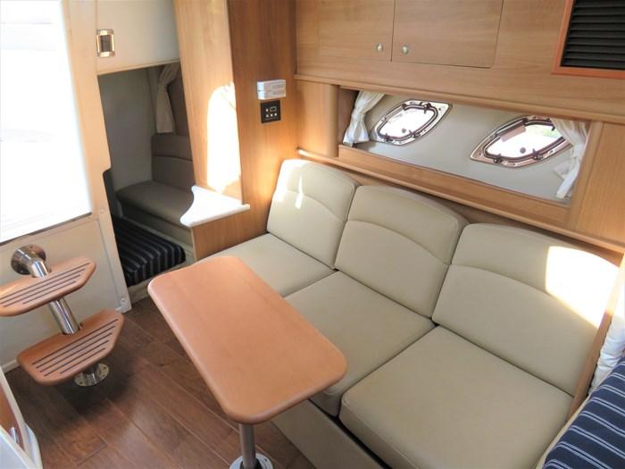 2014 Rinker 310 Express cruiser Photo 16 of 20