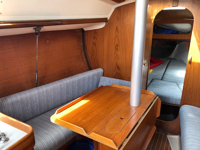 1987 Beneteau First 285 Photo 4 of 12