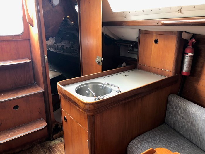 1987 Beneteau First 285 Photo 5 of 12
