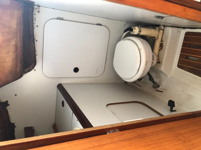 1987 Beneteau First 285 Photo 6 of 12
