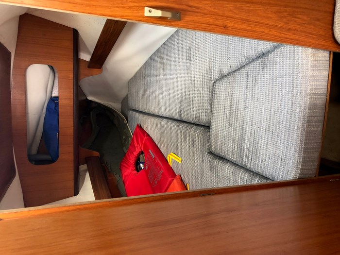 1987 Beneteau First 285 Photo 8 of 12