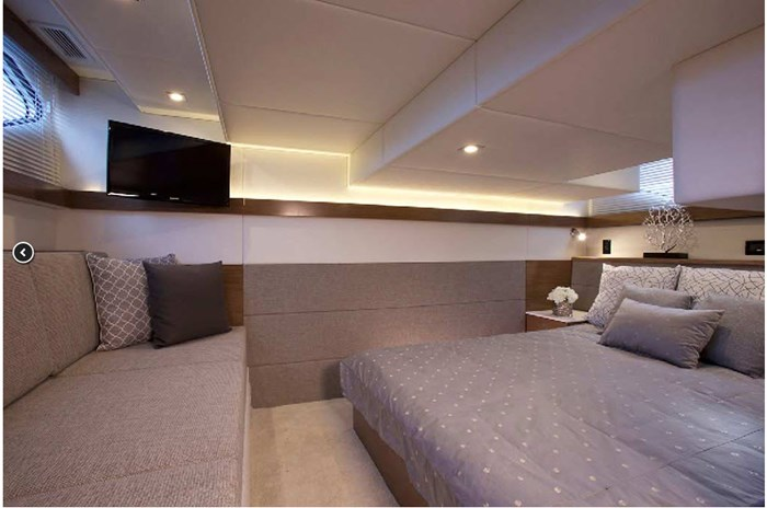 2019 Cruisers Yachts Cantius 42 Photo 5 of 11