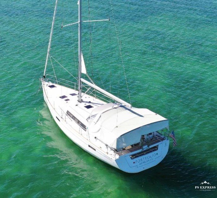 2013 Beneteau 45 Photo 3 sur 40