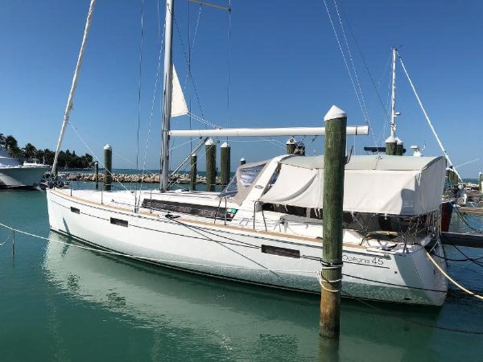 2013 Beneteau 45 Photo 8 sur 40