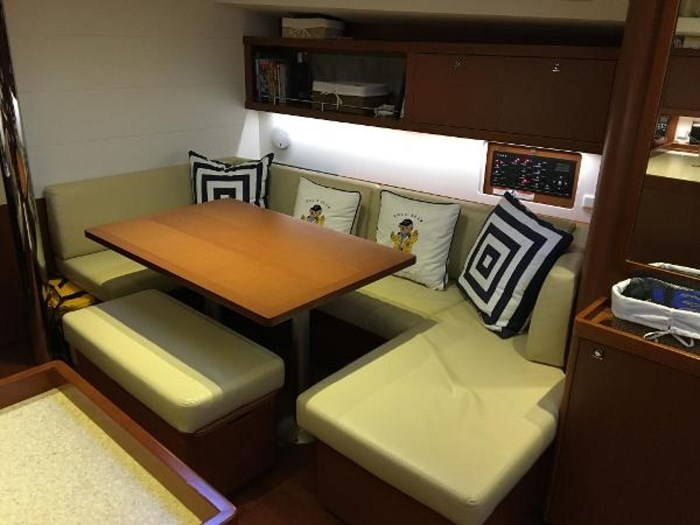 2013 Beneteau 45 Photo 16 sur 40