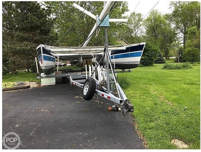 1987 Stiletto 30' Photo 7 sur 21