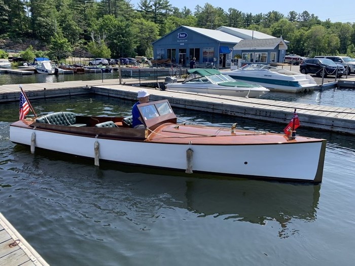 1919 Croswell 20' Launch Photo 1 sur 3