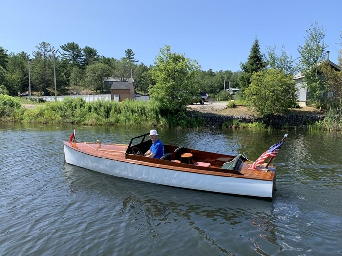 1919 Croswell 20' Launch Photo 2 sur 3