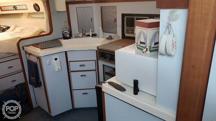 1988 Sea Ray 340 Express Cruiser Photo 5 of 20