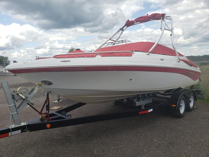 2011 Crownline BOWRIDER 21 SS Photo 2 of 20