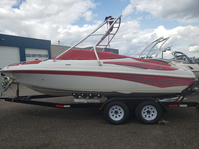 2011 Crownline BOWRIDER 21 SS Photo 4 of 20