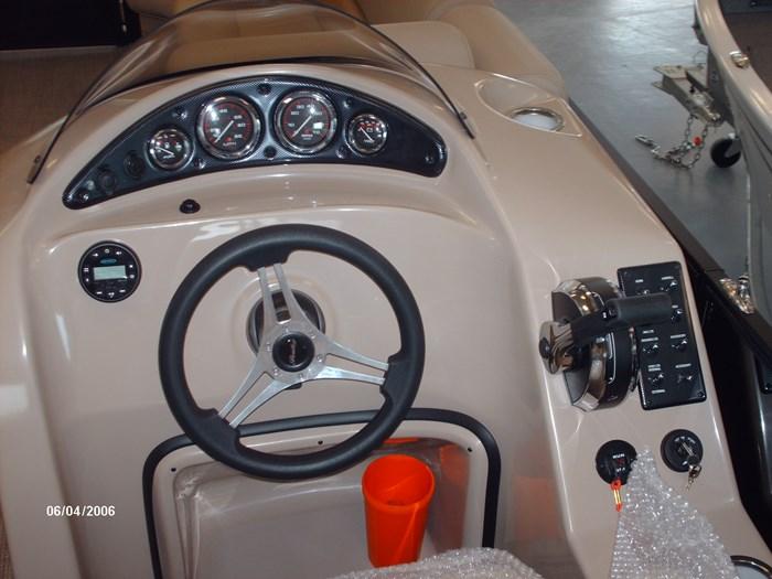 2019 Bentley Navigator Photo 5 of 7