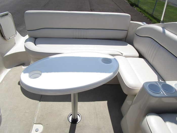 2001 CROWNLINE 230CCR Photo 4 of 17