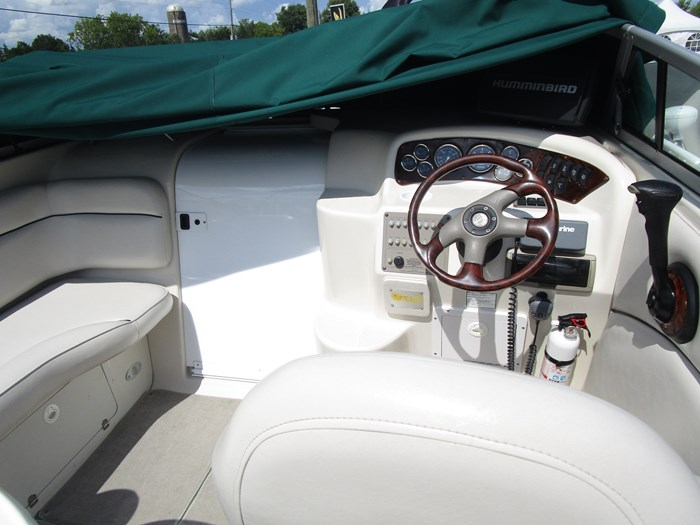 2001 CROWNLINE 230CCR Photo 12 of 17