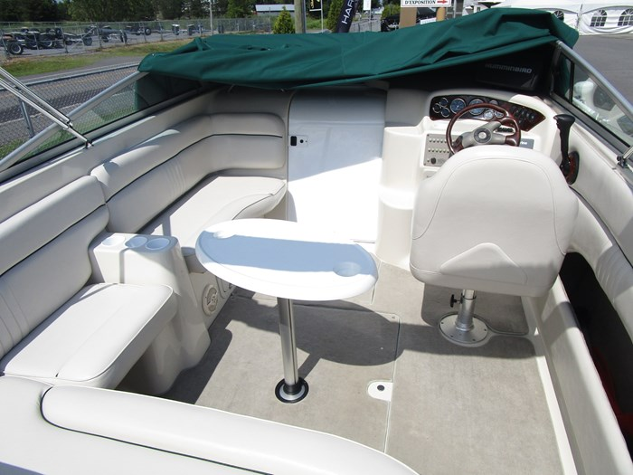 2001 CROWNLINE 230CCR Photo 14 of 17