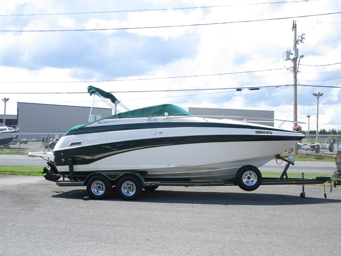 2001 CROWNLINE 230CCR Photo 1 of 17
