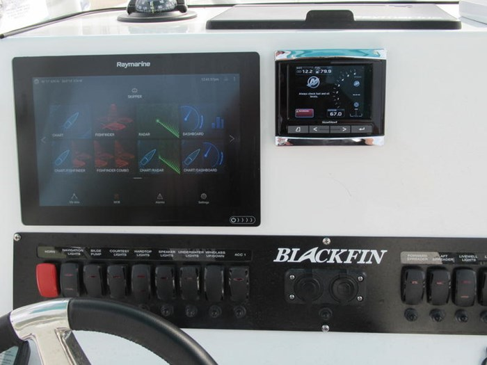 2018 Blackfin 242CC Photo 12 of 16