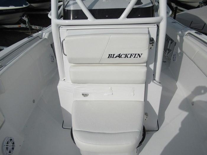 2018 Blackfin 242CC Photo 7 sur 16