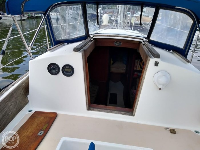 1980 Cape Dory 27 Photo 9 sur 20